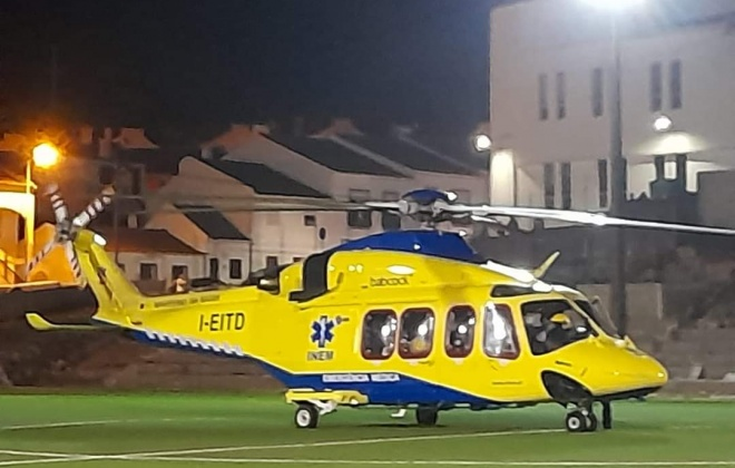 Um morto e sete feridos em colisão entre dois automóveis em Vila Nova de Milfontes