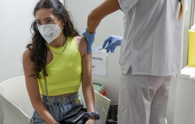Covid-19: Mais de 130 mil jovens vacinados no fim de semana, 23 mil faltaram